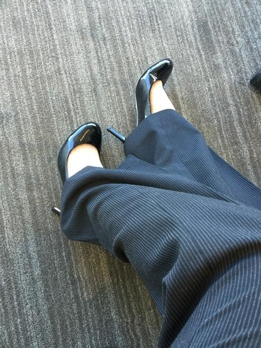 孕婦日記-跟高跟鞋說掰掰-鞋櫃裡的15雙高跟鞋收藏-D+af-Ferragamo-Vince Camuto-Red Velvet 紅絲絨婚鞋-Bo Derek-Diana (1611)