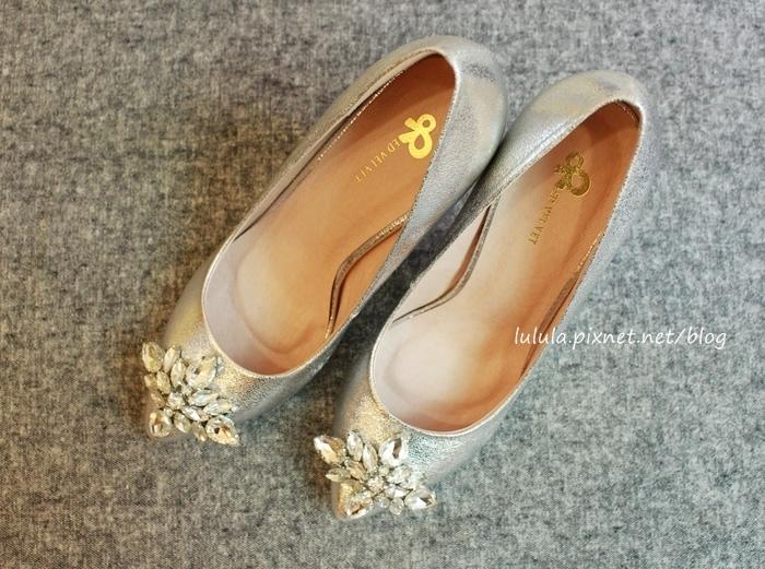 孕婦日記-跟高跟鞋說掰掰-鞋櫃裡的15雙高跟鞋收藏-D+af-Ferragamo-Vince Camuto-Red Velvet 紅絲絨婚鞋-Bo Derek-Diana (13)
