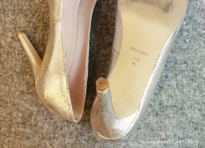 孕婦日記-跟高跟鞋說掰掰-鞋櫃裡的15雙高跟鞋收藏-D+af-Ferragamo-Vince Camuto-Red Velvet 紅絲絨婚鞋-Bo Derek-Diana (15)