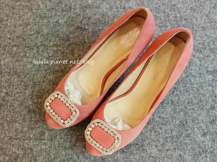 孕婦日記-跟高跟鞋說掰掰-鞋櫃裡的15雙高跟鞋收藏-D+af-Ferragamo-Vince Camuto-Red Velvet 紅絲絨婚鞋-Bo Derek-Diana (17)
