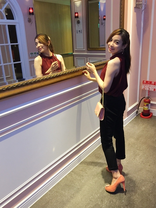孕婦日記-跟高跟鞋說掰掰-鞋櫃裡的15雙高跟鞋收藏-D+af-Ferragamo-Vince Camuto-Red Velvet 紅絲絨婚鞋-Bo Derek-Diana (1121097)
