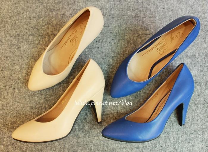 孕婦日記-跟高跟鞋說掰掰-鞋櫃裡的15雙高跟鞋收藏-D+af-Ferragamo-Vince Camuto-Red Velvet 紅絲絨婚鞋-Bo Derek-Diana (25)