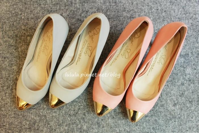 孕婦日記-跟高跟鞋說掰掰-鞋櫃裡的15雙高跟鞋收藏-D+af-Ferragamo-Vince Camuto-Red Velvet 紅絲絨婚鞋-Bo Derek-Diana (26)