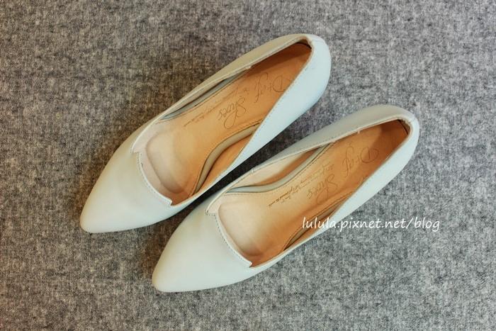 孕婦日記-跟高跟鞋說掰掰-鞋櫃裡的15雙高跟鞋收藏-D+af-Ferragamo-Vince Camuto-Red Velvet 紅絲絨婚鞋-Bo Derek-Diana (22)