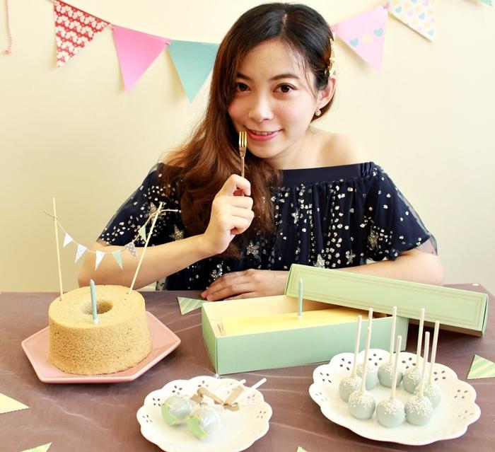Candy Wedding-粉藍夢幻彌月蛋糕禮盒-小王子迷你派對組-甜心棒棒糖-經典乳酪蛋糕 (110)