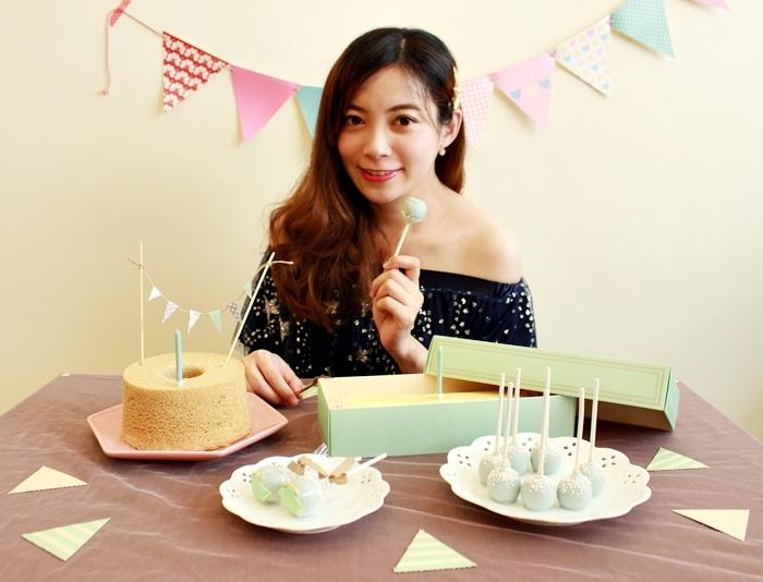 Candy Wedding-粉藍夢幻彌月蛋糕禮盒-小王子迷你派對組-甜心棒棒糖-經典乳酪蛋糕 (112)