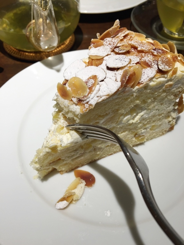日本東京新宿LUMINE EST百貨B2F HARBS水果千層蛋糕mille crepe-卡士達栗子蛋糕Custard Marron Cake-超美味義大利麵-男生也無法抗拒 (123)