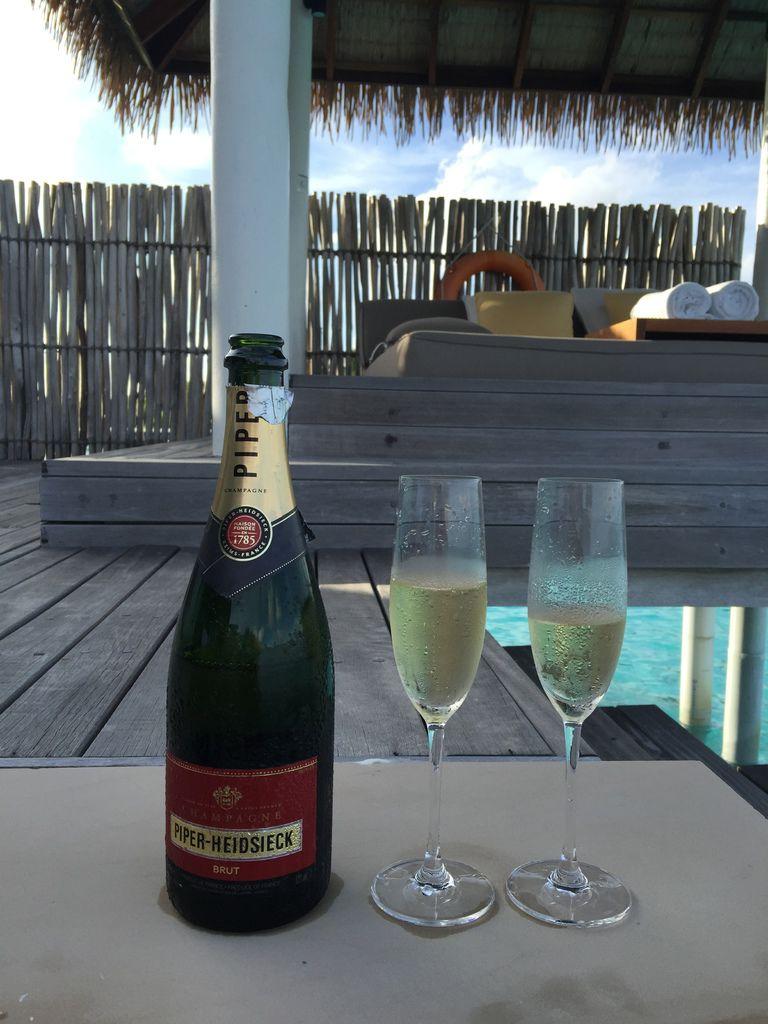 Honeymoon Maldives 馬爾地夫蜜月行-Maalifushi by COMO 第一天-賓至如歸的天堂夢幻島嶼-水上屋大驚豔-超美味晚餐 (21)