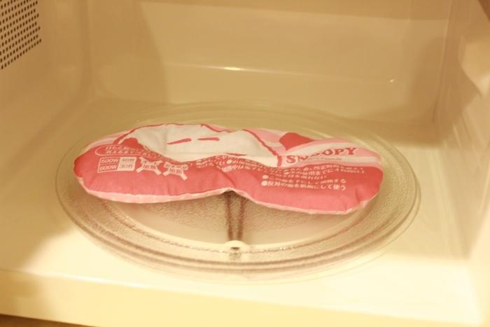 日本藥妝-snoopy可重複使用的蒸氣眼罩-發熱眼罩-微波爐加熱眼罩-紅豆眼罩 (2)