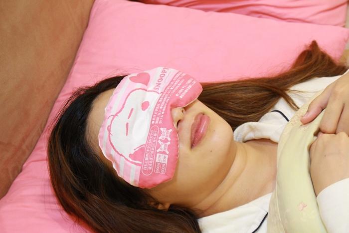 日本藥妝-snoopy可重複使用的蒸氣眼罩-發熱眼罩-微波爐加熱眼罩-紅豆眼罩 (3)