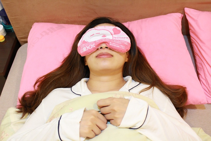 日本藥妝-snoopy可重複使用的蒸氣眼罩-發熱眼罩-微波爐加熱眼罩-紅豆眼罩 (5)