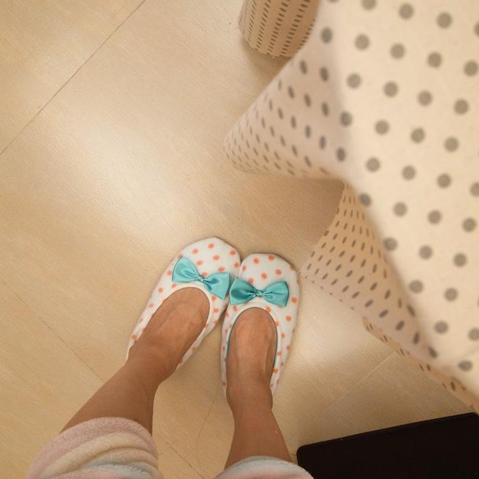 日雜贈品-Steady-化妝鏡化妝包項鍊拖鞋小包包托特包蝴蝶結圓點點 (1)