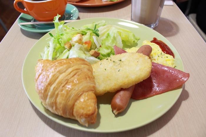 三隻小豬-板橋早午餐-府中brunch-快樂頌-培根牛肉起司堡-平價早午餐 (12)