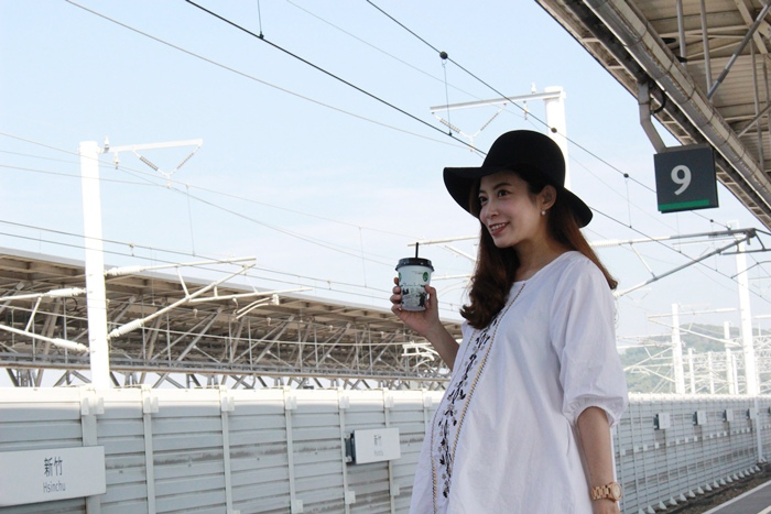 孕婦穿搭-孕婦裝穿搭-淘寶孕婦裝-Uniqlo黑帽-過膝長靴 (12)