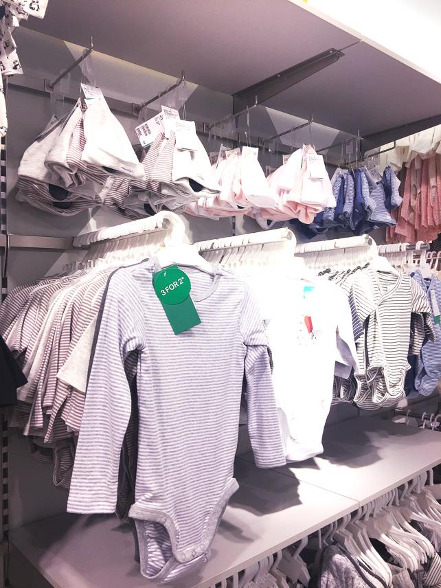 H&M 西門店亞洲最大旗艦店新開幕baby home 嬰兒服飾 洗澡包巾 浴巾 星星毯 (2)