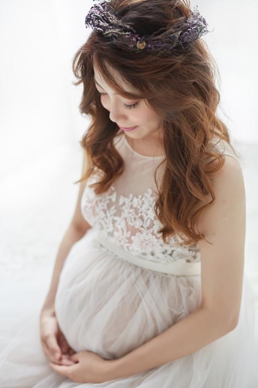 美花的夢幻與時尚孕婦寫真-JW Wedding自助婚紗工作室-攝影師陳川-造型師Emily-WeddingSmart Makeup hairstyle studio (11)