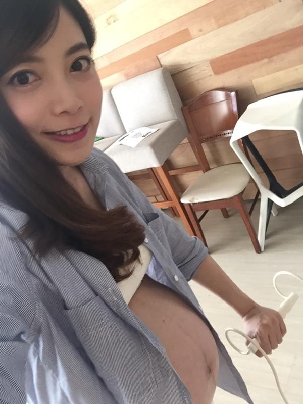 2017麗嬰房媽媽包寵兒禮形象照拍攝花絮-2017媽媽手冊免費兌換 (9)