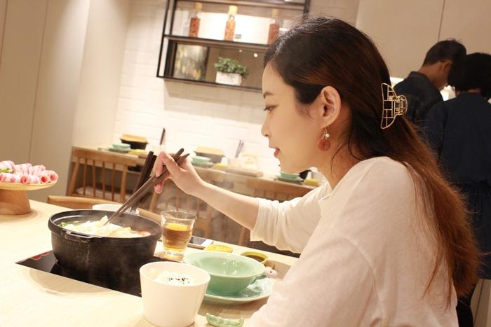 日本戰利品-百元首飾-chica-3 coins-百元商店三百元均一價-便宜質感首飾髮飾耳環項鍊珠寶盒-日本必逛 (8)