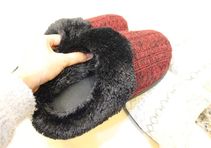冬日暖暖小物-HOLA手插枕-costco毛毛記憶拖鞋-Daiso大創可觸控手機毛手套 (9)