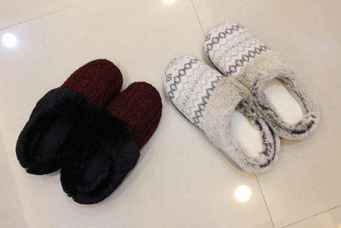 冬日暖暖小物-HOLA手插枕-costco毛毛記憶拖鞋-Daiso大創可觸控手機毛手套 (8)