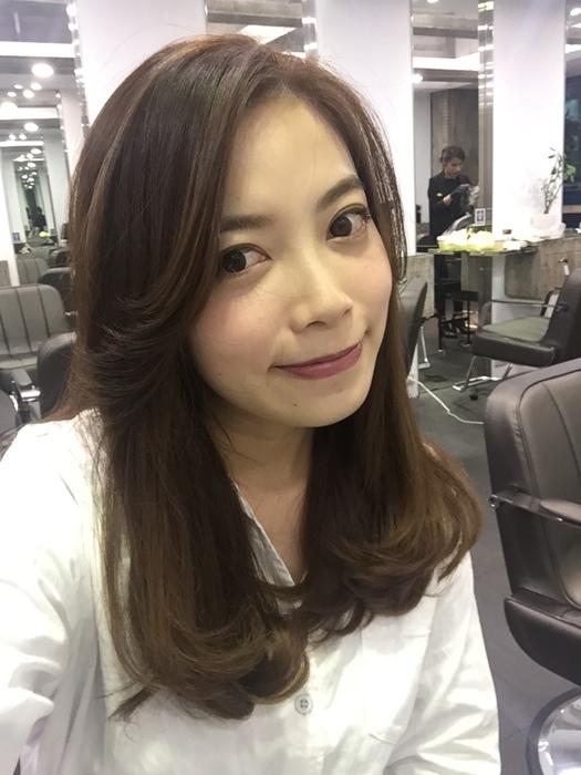 PLUUS 南西店-設計師NICK-媽媽的簡單清爽內彎直髮-外捲瀏海 (20)