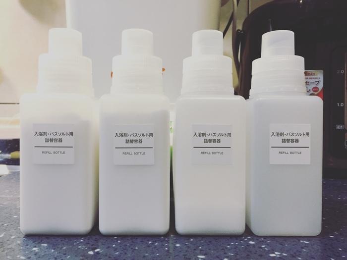 斷捨離與無印良品風的收納日常-morning cleaning-小蘇打粉與檸檬酸的收納-MUJI無印良品入浴劑補充瓶-IG風的主婦收納-梳妝台收納-保養品收納-彩妝品收納-大創PP盒 (1)