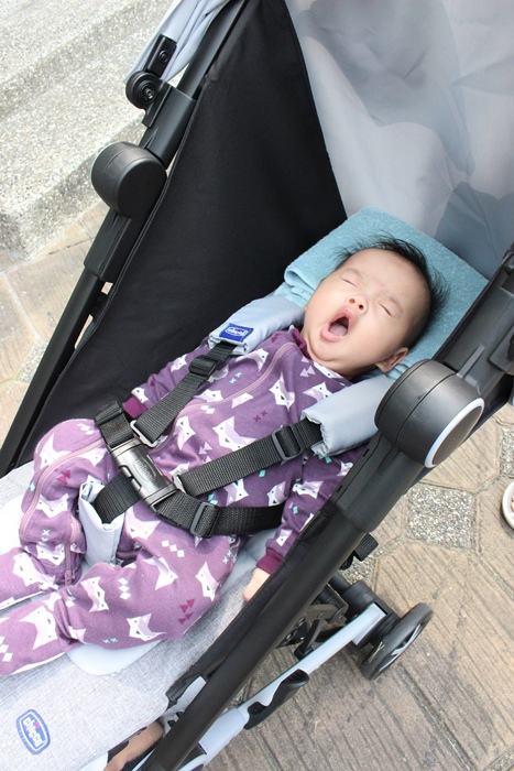 Miinimo Chicco推車嬰兒推車娃娃車-出遊旅行出國可攜帶上高鐵後車廂行李架-隋棠代言推車 (9)