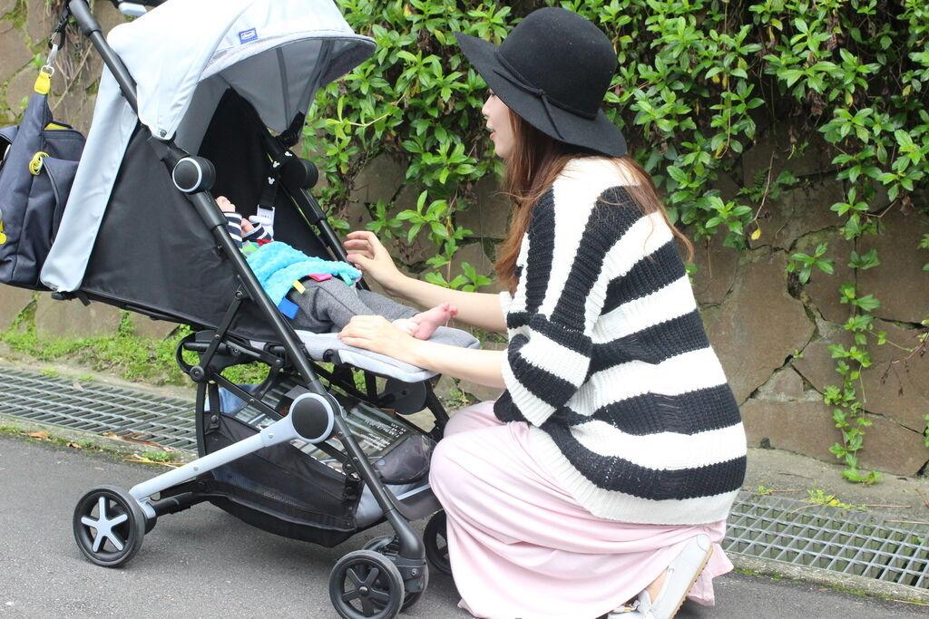 Miinimo Chicco推車嬰兒推車娃娃車-出遊旅行出國可攜帶上高鐵後車廂行李架-隋棠代言推車 (45)