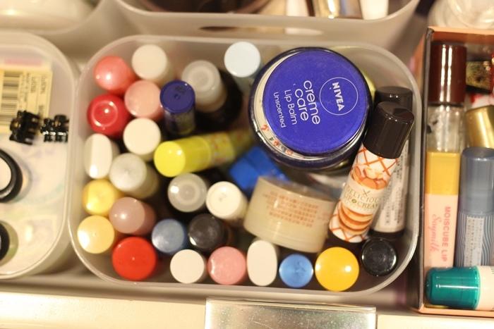 斷捨離與無印良品風的收納日常-morning cleaning-小蘇打粉與檸檬酸的收納-MUJI無印良品入浴劑補充瓶-IG風的主婦收納-梳妝台收納-保養品收納-彩妝品收納-大創PP盒 (64)