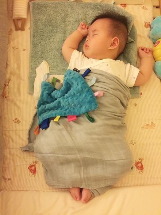 costco 包巾 育嬰好物 好物推薦 swaddle designs 嬰兒包巾 a+a包巾 (14)