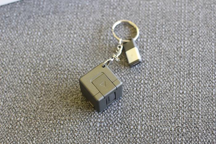 citiesocial –WonderCube 魔力方塊 充電、傳輸、立架、照明- 8合1隨身魔力方塊 (79)