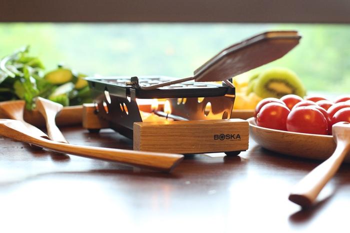 520朋友家聚餐-芝麻葉巧克力火鍋 BOSKA Holland Le Creuset番茄牛肉肉醬 義美奶茶 芝麻葉蒜味麵包早餐 (9)