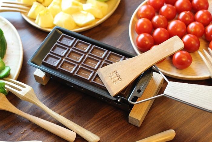 520朋友家聚餐-芝麻葉巧克力火鍋 BOSKA Holland Le Creuset番茄牛肉肉醬 義美奶茶 芝麻葉蒜味麵包早餐 (12)