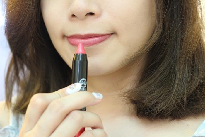 Lip Baby Crayon 橋本環奈代言唇彩眼彩兩用蠟筆-眼唇兩用蠟筆-亮片桃紅 粉紅色的陷阱トラップピンク曼秀雷敦 (33)