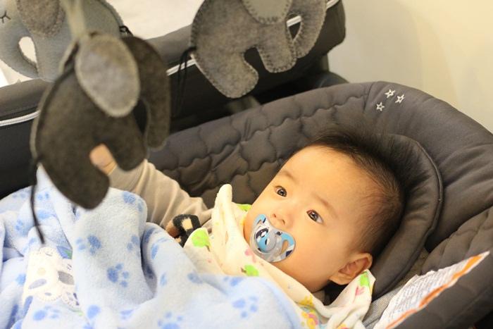 Chicco Lullaby Dream多功能豪華遊戲床-翻滾嬰兒的救星 (22)