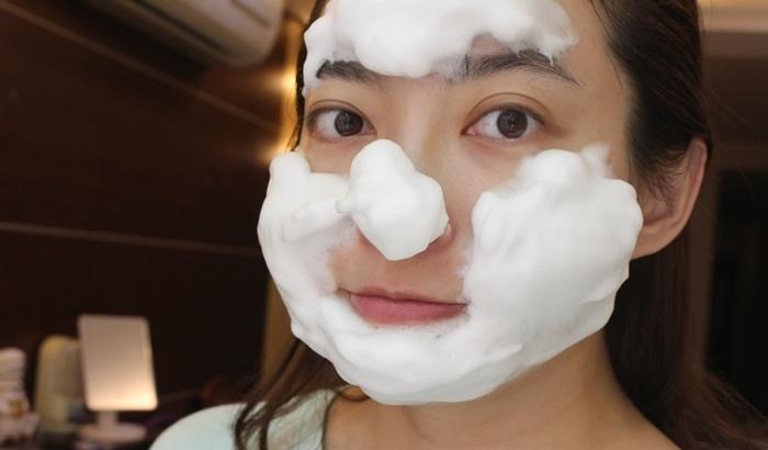 日本北海道二十年牛奶泡洗面乳-日本製 -Japan-北的快適工房乳清成分-泡沫洗臉不拉扯肌膚-保濕去除污垢(100)