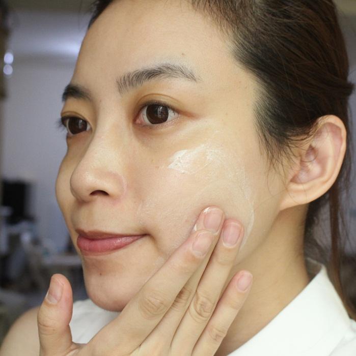 URIAGE 優麗雅 全護高效兒童防曬乳液SPF50+ 康是美 藥妝 皮膚科醫師推薦 (19)