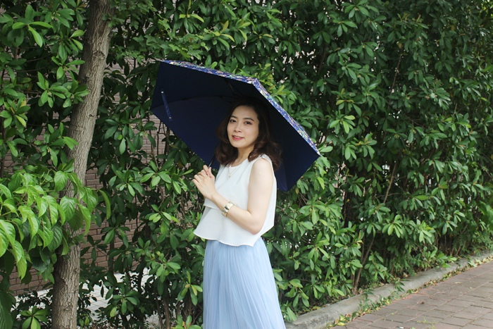 Carry Umbrella 折傘三折傘摺疊傘輕量折傘碳纖維雨傘140g超輕折傘MOOSE碳纖折傘星夜風鈴 (127)
