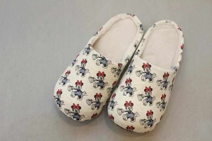 每個月的UNIQLO敗家戰利品-UNIQLO BABY 嬰兒內搭褲 家居拖鞋 RELACO 家居褲 Mickey系列 (10)