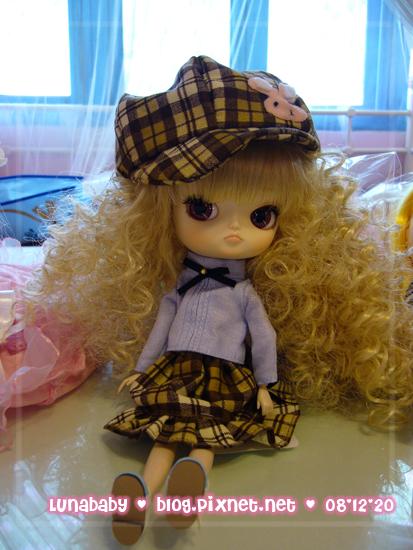 20081220中部迷你市集04琦琦家的衣服.jpg