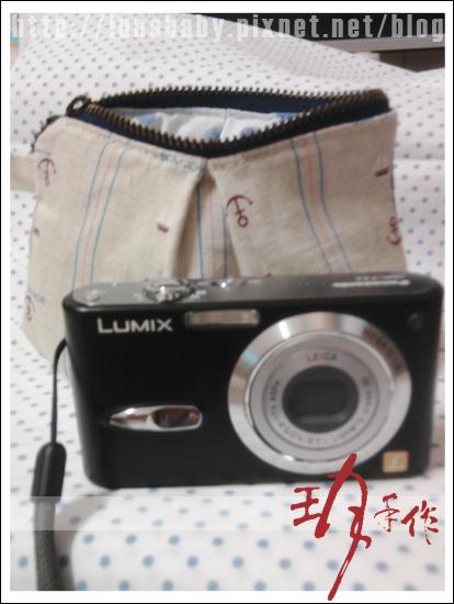 201007-相機包07準備放相機.jpg