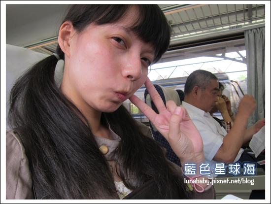 4y9m苗栗南庄02火車上.jpg