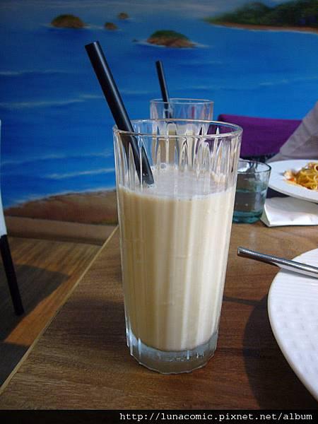 林鳳營鮮奶茶.jpg