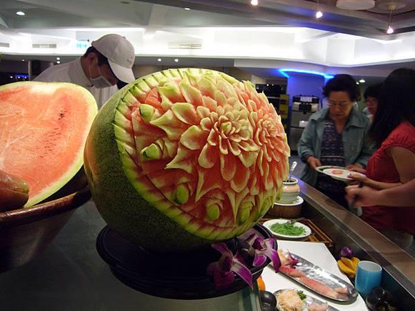 精雕細琢的西瓜.jpg