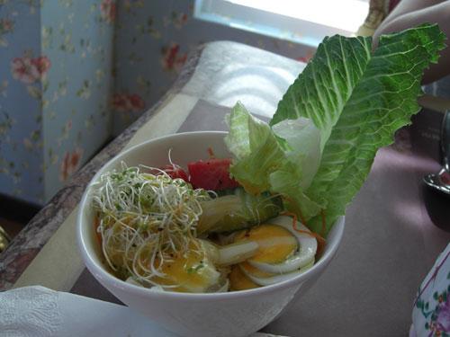 20081025歐莉葉荷用餐13-沙拉.jpg