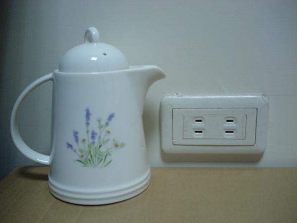 茶壺與插座.jpg