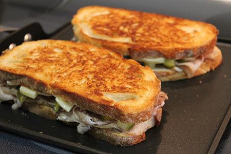grilling+Cuban+sandwich