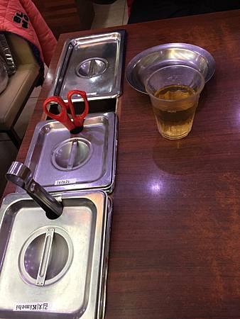 2016首爾自由行 @神仙雪濃湯明洞店 @惠化站壁畫村@新村的站著吃烤肉