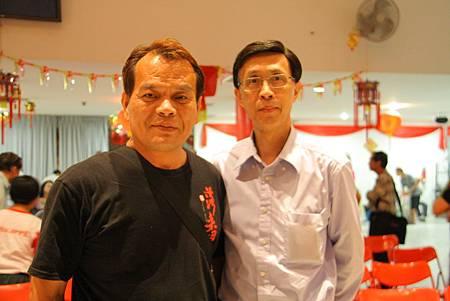 與駐新加坡代表處新聞組長陳碧鐘