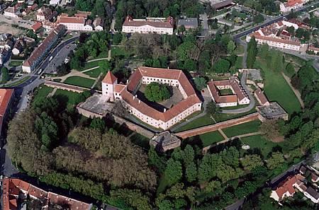 Sárvár_-_Castle.jpg